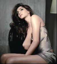 Sonam Kapoor photos,Hed P.E. photos,Christina Aquilera photos,Kareena Kapoor photos,Aaliyah photos,Britney Spears photos